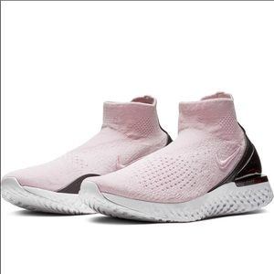 Nike rise epic react pink and black
